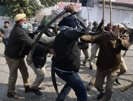 Rioting farmers', Delhi (Jan.26, 2021).
